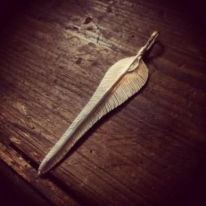 手彫り風切り羽根、ウイングフェザー