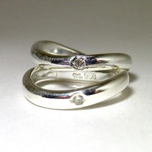 ダイアモンド入りのwave ring