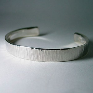 hammer stripe bangle