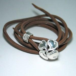 spiral cord : clover