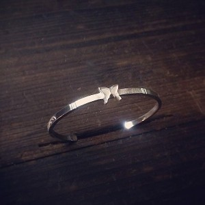 butterfly center bangle [soul texture/order sample]