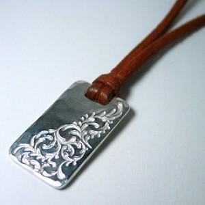 純銀手彫りネックレス
