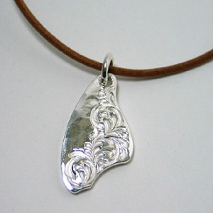 純銀手彫りメダル1