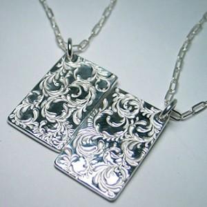純銀手彫り唐草変形プレートネックレス