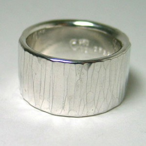 hammer stripe ring wide