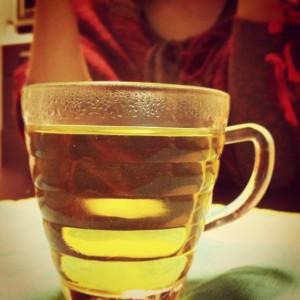 茶ぁしばく