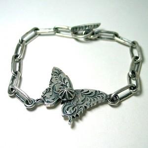 蝶のブレスレット