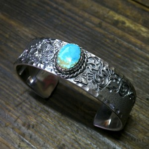 no.8 turquoise custom bangle [17mm]