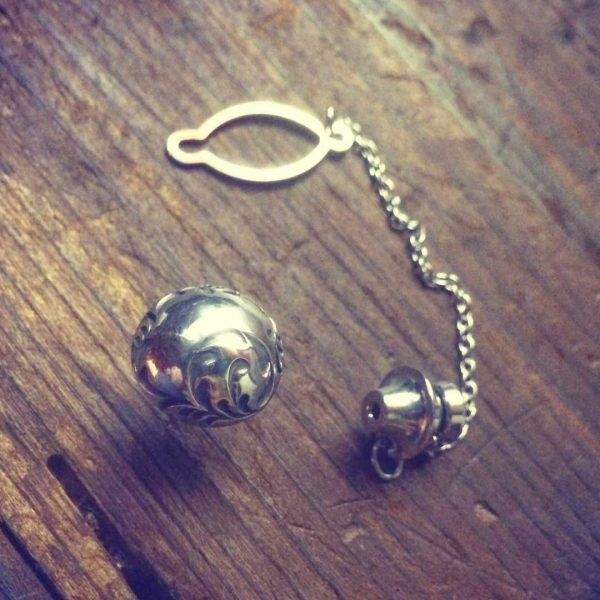 soul scroll tie tack pin