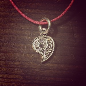 scroll heart pendant [limited]