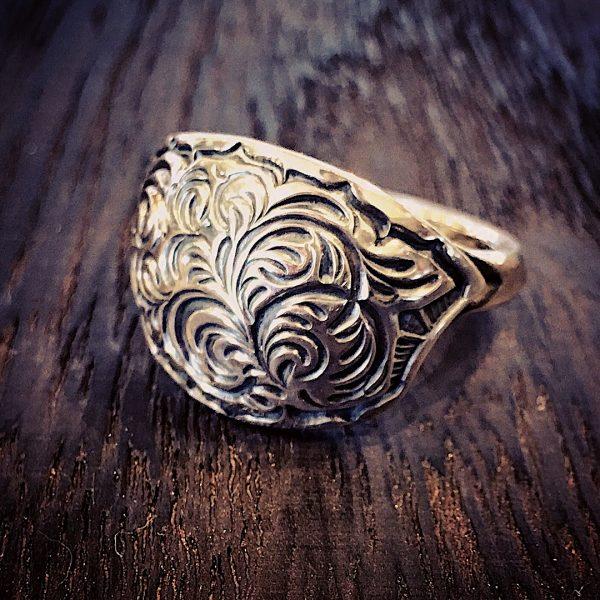 concha ring #18 [唐草]